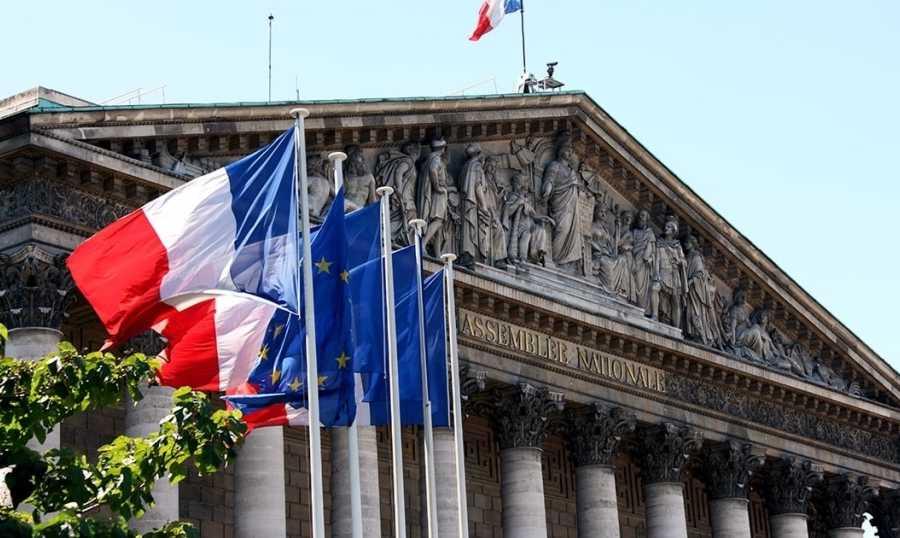 آسفة لتعليق التحقيق بانفجار المرفأ... الخارجية الفرنسية: العدالة يجب أن تعمل بشفافية كاملة