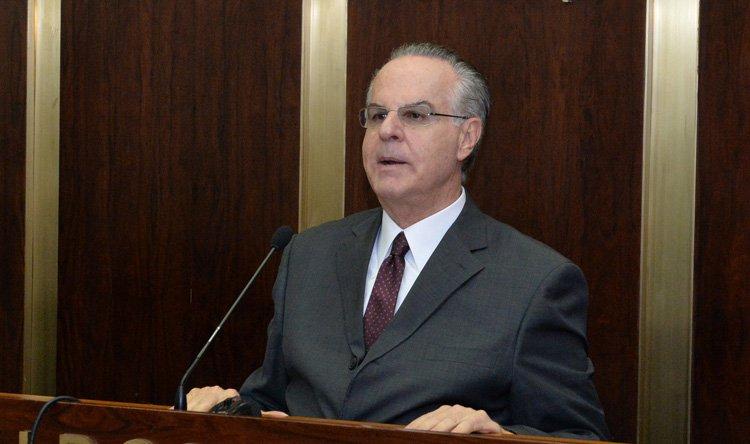 عدوان لكوشنير: لبنان لن يقايض بأموال العالم كله على ثوابته ومبادئه