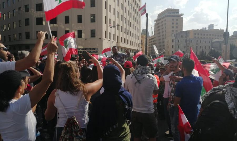 الأموال التي تأتي الى لبنان تدخل حسابات