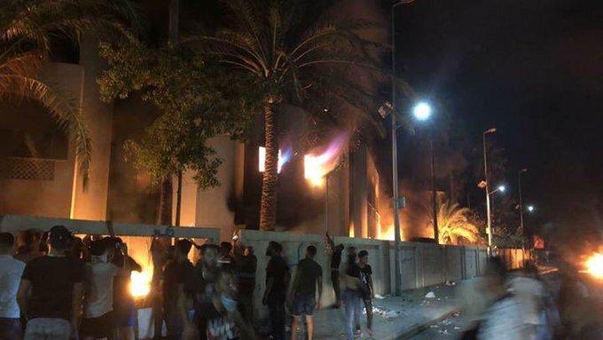 دول خليجية وعربية تحذر رعاياها من السفر إلى لبنان