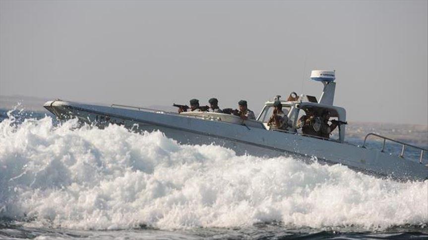 مسؤول أمريكي: زوارق إيرانية تمنع سحب الناقلة فرونت ألتير
