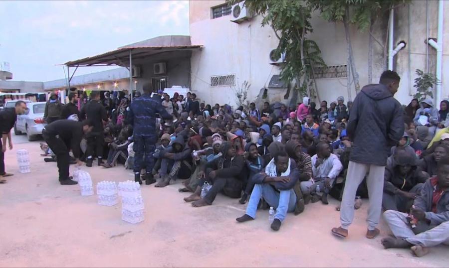 ترحيل أكثر من 16 الف مهاجر من ليبيا