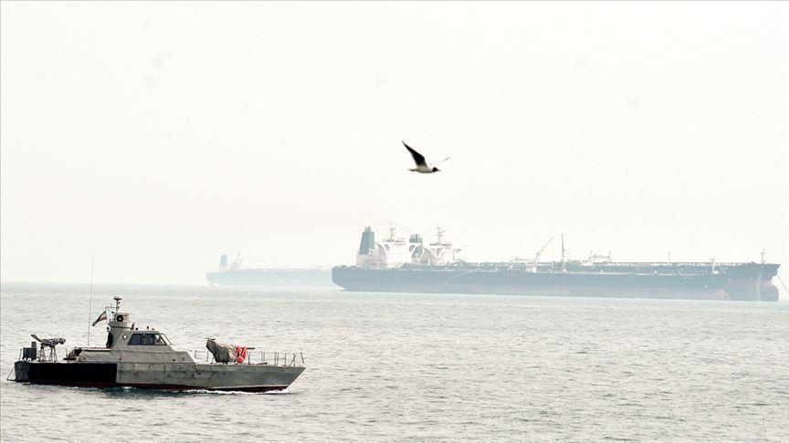 الناقلة الإيرانية وصلت إلى وجهتها وتمّ بيع النفط..واشنطن تؤكد فرض عقوبات على كل من يشتري النفط الإيراني