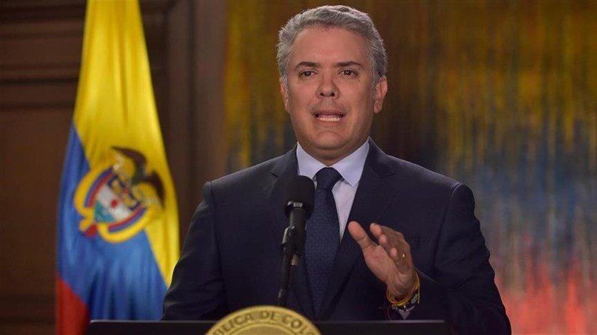 الرئيس الكولومبي يستدعي المسؤولين عن الاحتجاجات الضخمة في البلاد