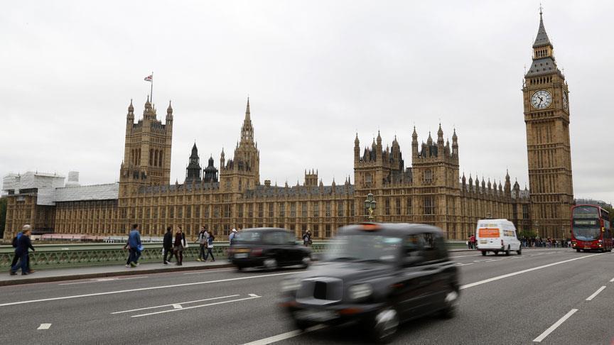 الاقتصاد البريطاني ينمو بـ 0.3 في المئة خلال 3 شهور
